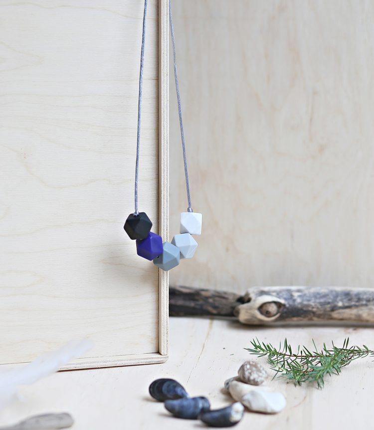 Necklace Storm Navy blue