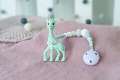 pastelinis čiulptuko laikiklis su silikoniniu kramtuku žirafa
