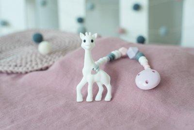 Silikoninis kramtukas žirafa su čiulptuko laikikliu mergaitei