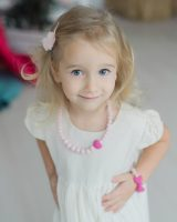 Saugūs papuošalai vaikams: stilingi silikoniniai karoliai mergaitei