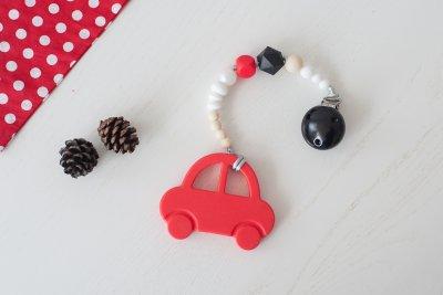 Silikoninis čiulptuko laikiklis ir kramtukas raudona mašinytė
