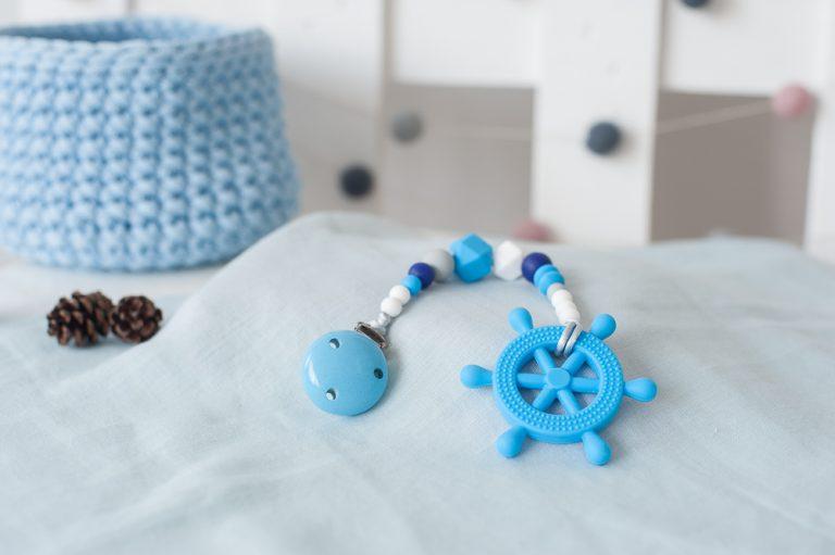 silikoninis kramtukas kūdikiui lavinantis žaislas čiulptuko laikiklis berniukui jūrinis žydras mėlynas