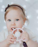 silikoninis kramtukas - barškutis kūdikiui